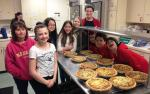 Temple Beth El Teens Working in the Kitchen